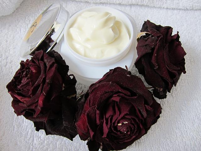 krém a růže.jpg