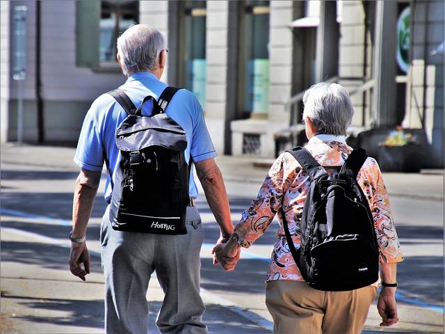 důchodci na výletě